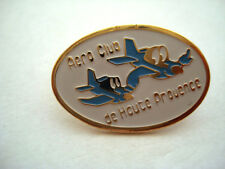 PINS RARE AERODROME AERO CLUB DE HAUTE PROVENCE AVION AVIATION