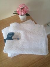 Set Of Two White 100% Cotton Diamante Bling Hand Towels