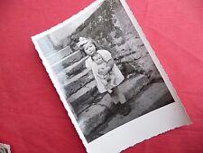 PHOTO ANCIENNE - VINTAGE SNAPSHOT - ENFANT avec POUPÉE POUPON - CHILD DOLL TOY 4