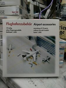 1:500 Herpa Wings Airport Accessories Airport GSE, Part #519472 Mint in Box