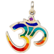 Ohm Aum Om Chakras Colgante con arco iris de color plata incrustación de resina 3cm