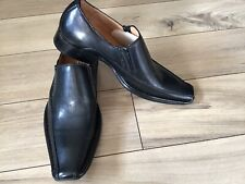Leuna Black Leather Boys Dress Shoes W/ Detail Cross Etched on Front Size 3 NWOB