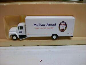 Ho Scale (3) Con-Cor 04-001090  28' Moving Van Truck Pelican Bread
