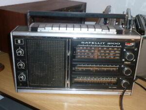 Rundfunkempfänger Satellit 2100 - Grundig Radio-Vertrieb