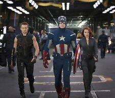 Jeremy Renner, Chris Evans & Scarlett Johansson photo - G1122 - Captain America