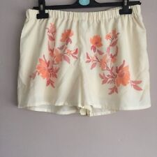 Boohoo printed beach shorts size 14 New With Tags summer holiday