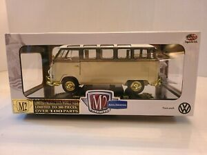 """M2 Machines """"CHASE"""" 1960 VW MICROBUS DELUXE USA MODEL 300 Pieces 1:24"""