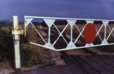 PHOTO  1984 GAILEY STAFFORDSHIRE LEVEL CROSSING ON MINERAL RAILWAY THIS LEVEL CR