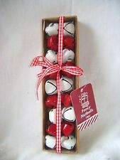 NEW 18 CHRISTMAS NUT BELLS NUTBELLS TREE BAUBLES DECORATIONS STRING WHITE RED