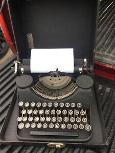 Vintage Underwood Typewriter year 1930 Fully Functional VERY Clean