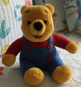 Winnie the Pooh Bear Talking Plush 1997 Mattel Nose Wiggles Vintage Stuffed Toy