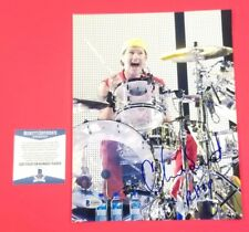 "RED HOT CHILI PEPPERS CHAD SMITH SIGNED 8""X10"" COLOR PHOTO WITH BECKETT BAS COA"
