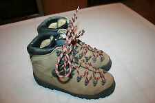 La Sportiva Boots 40.5 C Euro 7.5 US Walking on the Moon NICE