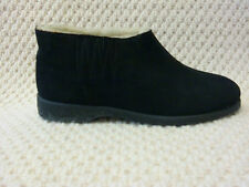Original vintage 1970s ladies fur lined suede pull on boots odd pair size 5 + 6