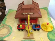 FISHER PRICE PLAY FAMILY MCDONALDS GREAT CONDITION SQUARE BODY LITTLE PEOPLE