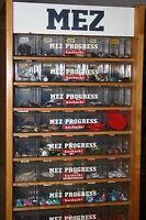 MEZ Nähseidenschrank Schubladenschrank gefüllt mit Knöpfen Knöpfe
