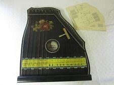 eine ältere 6 Akkord Zither mit 9 Notenblätter          Nr 2642