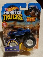 HTF New for 2019 Hot Wheels Monster Trucks BIGFOOT 1:64 w/Connect and Crash Car!