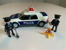 Playmobil Police car 3904 with flashing lights and 2 Police Officers