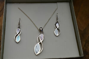 sterling silver mother of pearl pendant , chain,  earring set , h samuel