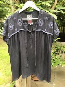 JOHNNY WAS Dark Navy Relaxed Fit Embroidered Silk Top S M