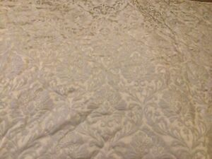 """Sanderson Kingsize Quilted Damask Throwover Bedspread 101"""" x 103"""" Champagne"""