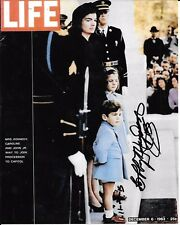 BOBBY HAYDEN ONE OF 1ST BLACK PRESIDENTIAL HONOR GUARDS RARE SIGNED PHOTO