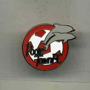 POOLE TOWN  FC  NON LEAGUE FOOTBALL PIN BADGE