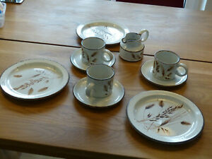 midwinter Stonehenge Ähren 3 Tassen Unterteller Frühstücksteller Milchkännchen