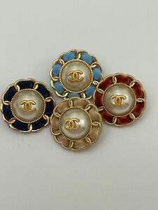 one VINTAGE chanel button  25 mm choose your color