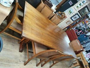 LARGE WOODEN DINING ROOM TABLE WITH SIX CHAIRS                              #ET#