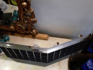 1976 CADILLAC FLEETWOOD BROUGHAM GRILL SEDAN COUPE DEVILLE USED OEM GM 1606876