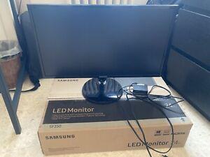 Samsung S24F350FHU 24'' Full HD Monitor - Nero