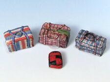 Eureka XXL 1/35 Modern Eastern Red-White-Blue Cargo Bags & Backpack (4 pc) E-025