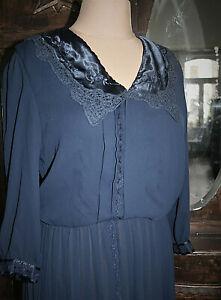 Gr. 44/46/48 - True Vintage 70er – Kleid - Faltenrock Spitzenkragen - Sekretärin