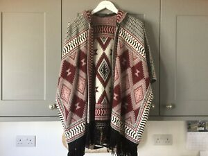 Top Shop Ladies Poncho Knitted Shawl Hooded Tribal Burgundy Black Size Small