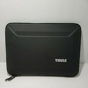 """Original Thule - Gauntlet 4.0 Sleeve for 13"""" Laptop Macbook Black TGSE2355BLK"""
