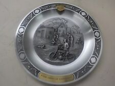 """1903 COLLECTOR PLATE """"NEW OLD STOCK IN BOX"""" PEWTER """"BIRTH OF A LEGEND"""""""