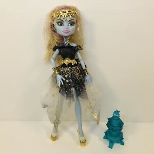 Monster High 13 Wishes Abbey Bominable Great Condition.