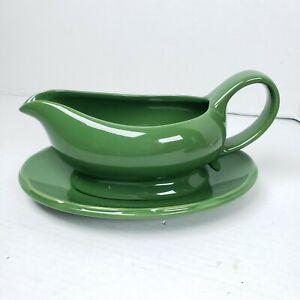 Ciroa Simple Serve Green Ceramic Gravy Boat W/Under Plate