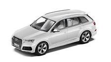 Original Audi Q7 4M Model Car 1:43 Glacier White Model Audi Q7 Typ 4M Weiss