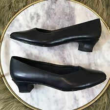 Softt Style Sz 6.5 Dark Navy Blue Near Black Low Block Heels Dress Career Pumps