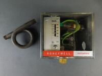 Honeywell Pressuretrol Pressure Switch L404Y-1027-2 - NEW Surplus!