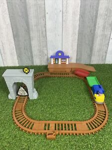 Paw Patrol Adventure Bay Railway Train Track Set With Train Rubble Race