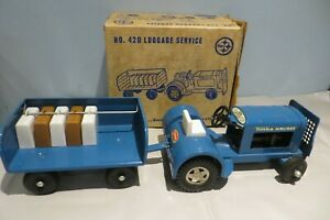 RARE VINTAGE STEEL TONKA 420 AIRPORT BLUE LUGGAGE SERVICE TRACTOR AND CART BOXED