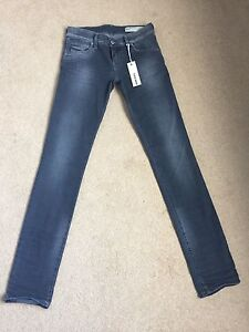 Women's Diesel Grupee 0667P Super Skinny Low  Stretch Jeans W25 L32 BNWT (906)