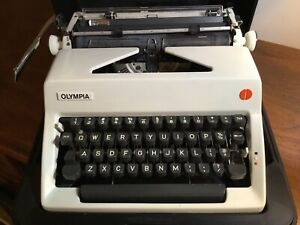 1971 OLYMPIA SM9 Portable Manual Typwriter w/Orig Case, Works Well, Very Clean!