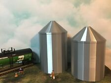 (2) GRAIN SILO (s) SET - O Scale 1:48 -  USA No Assembly Required! FARM Cluster