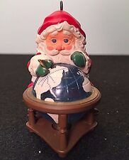 VTG 1988 HALLMARK Lighted SANTA CLAUS CIRCLING THE GLOBE Mapping Ornament In BOX