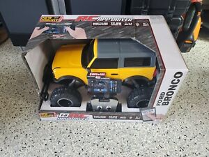 New Bright 2021 Ford Bronco 1:8 Scale RC Yellow Remote control car electric